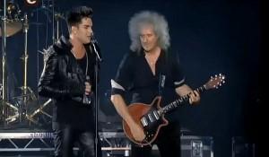 Adam Lambert og Brian May fra Queen under en veldedighetskonsert i Kiev