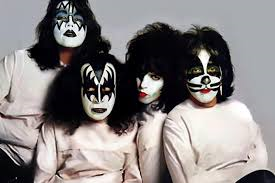Kiss. Peter Criss ytterst til høyre.