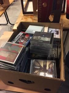En av ti kasser med skiver
